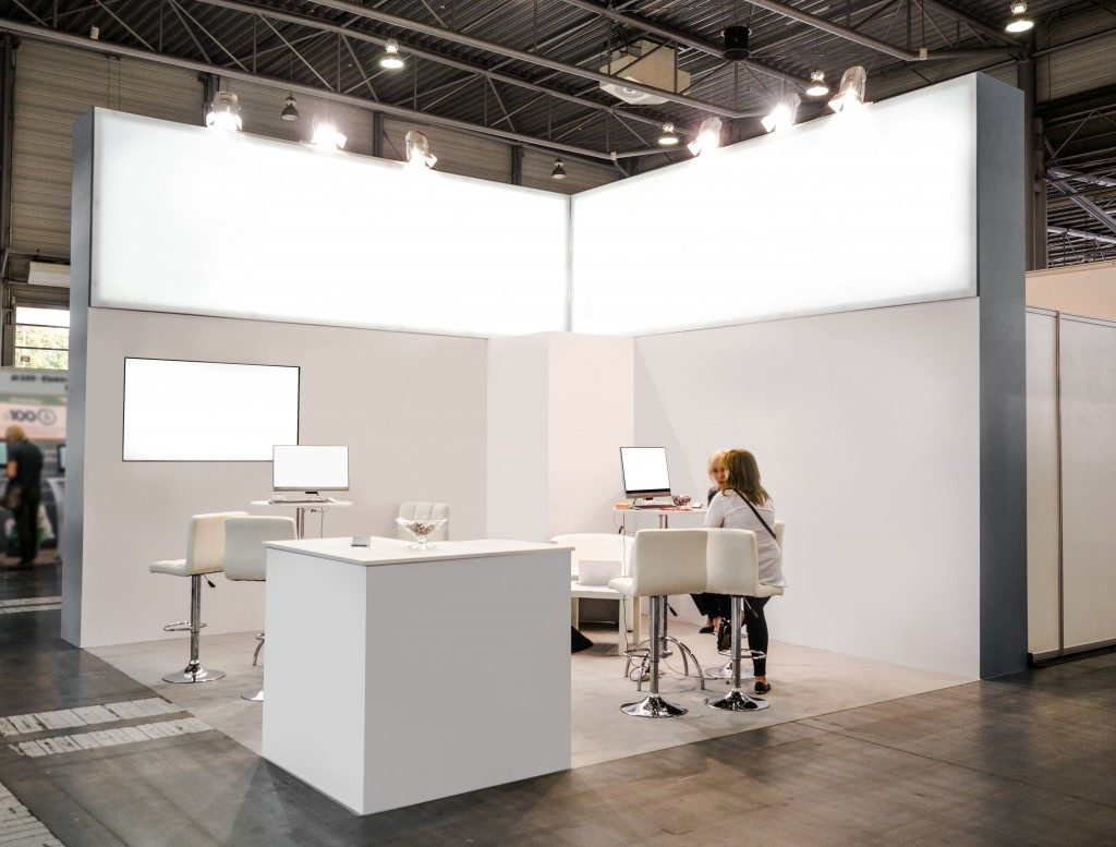 white booth set-up